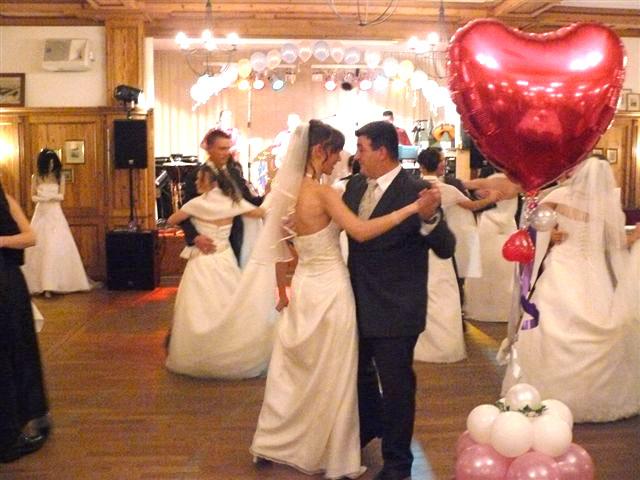 Brautpaare-Tanz