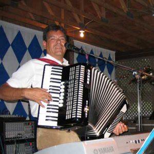 Musiker Hubert-live Bierzelt
