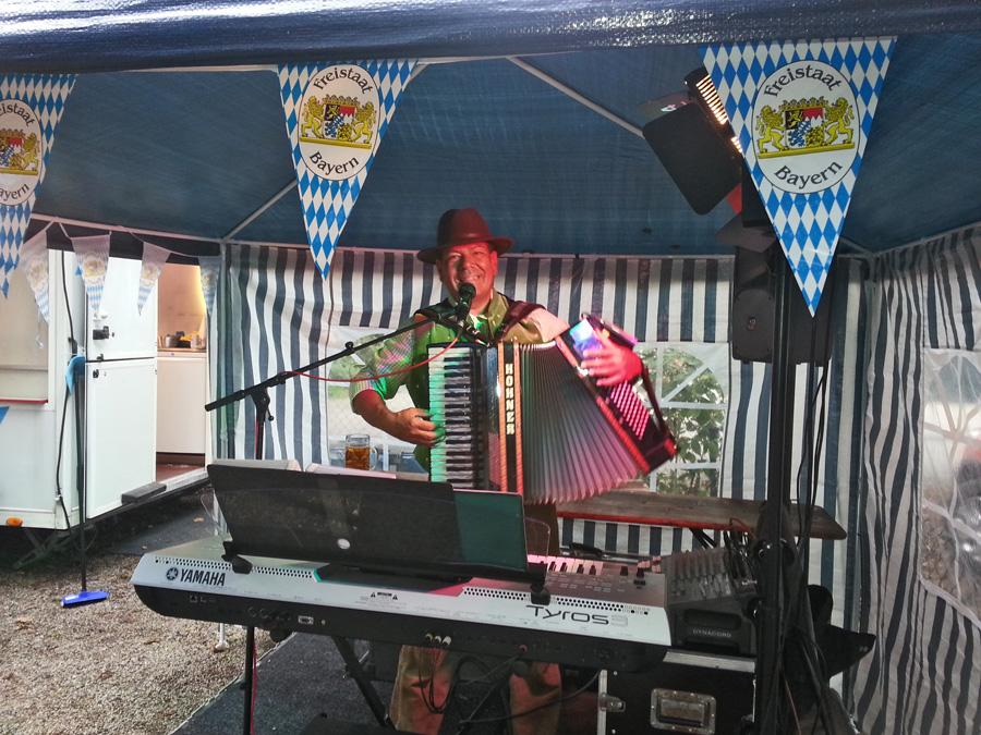 zünftige 1-Mann-Oktoberfestkapelle Hubert-live Bayern