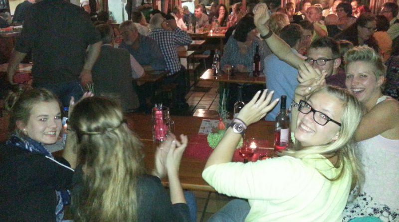 Weinfest Irlbach (2) Partyband Hubert-live NiederBayern