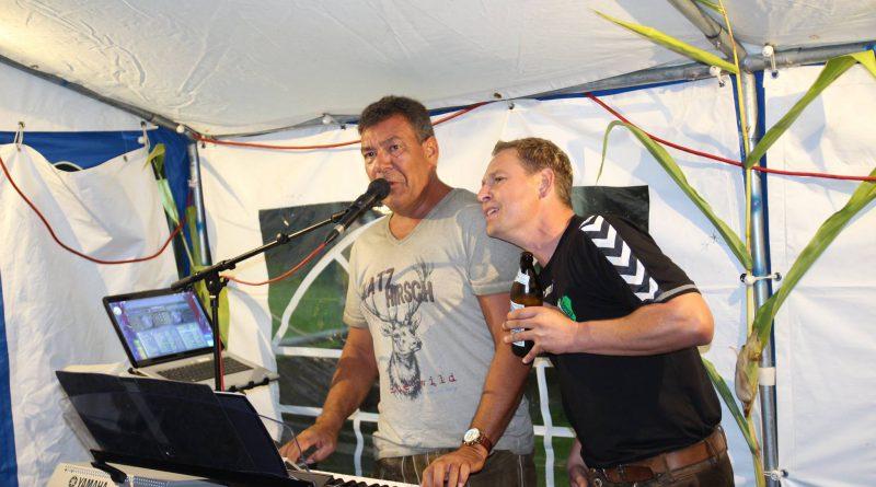 Weinfest Neukirchen (6) Partyband Hubert-live NiederBayern