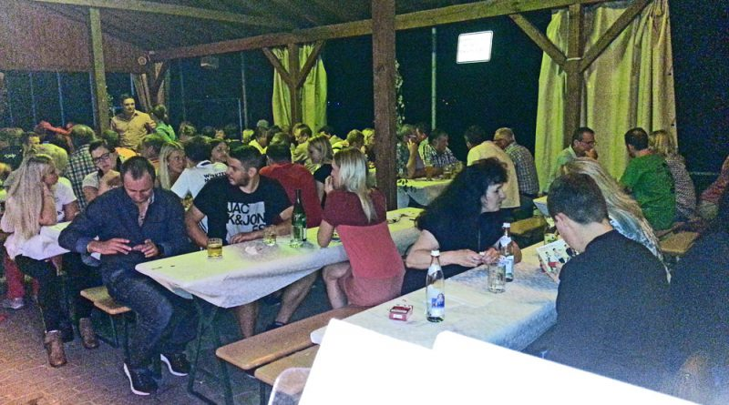 Weinfest Wiesent Partyband Hubert-live NiederBayern