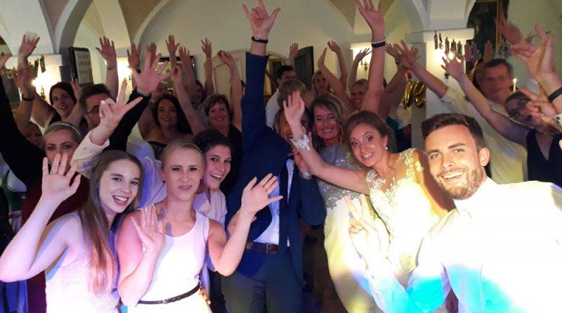 Hochzeitsparty mit Hochzeitsband DJ Hubert-live